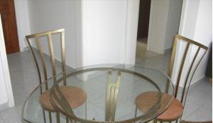 Mesa vidro em losango única, linda