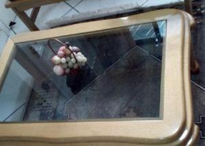 Mesinha mesa de centro pés torneados e vidro fume