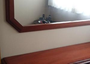 Movel com espelho mogno 1.82 x 0,80 x 0,45