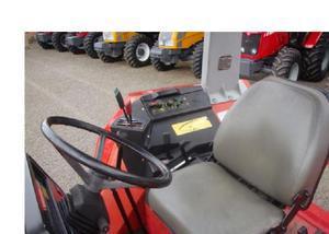 Trator massey ferguson modelo 680 ano 2003