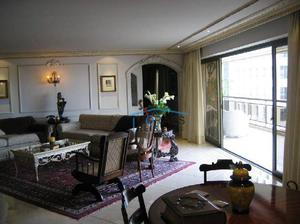 Apartamento · 500m2 · 4 Quartos · 5 Vagas