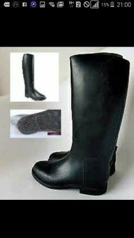Vendo botas de borrcha novas todas numeração