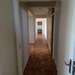 Apartamento com 3 quartos para alugar, 136 m² por r$