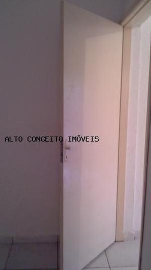 Casa com 1 quarto para alugar, 40 m² por r$ 900/mês
