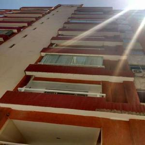 Apartamento com 3 Quartos à Venda, 96 m² por R$ 299.000