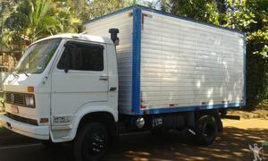 Fretes e mudanças caminhão bau