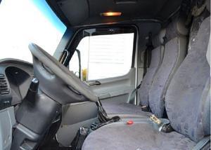 Caminhão mb 915 accelo branco 2007 baú
