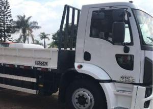 Ford cargo 1319 4x2 ano 20132013 carroceria em aço randon