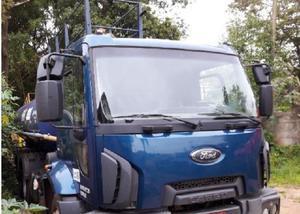 Ford cargo 2623 6x4 ano 20132014 tanque pipa gascom cam