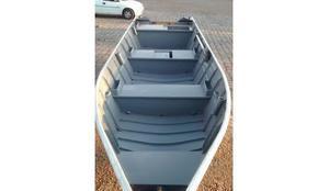 Barco bicudo e carreta r$6400