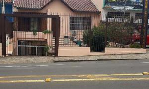 Casa com 2 quartos à venda, 180 m² por r$ 590.000