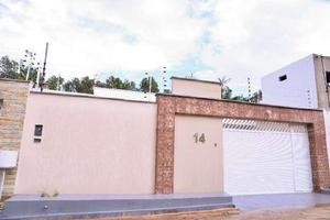 Casa com 3 quartos à venda, 130 m² por r$ 260.000