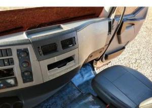 Volvo vm 270 2013 bitruck com baú frigorífico gancheiro