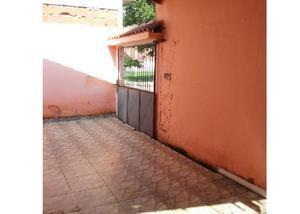 Casa com 2 qts na vila maria helena