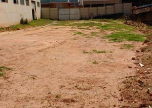 Vende-se um lote de 140 m² no centro de dores de campos-mg