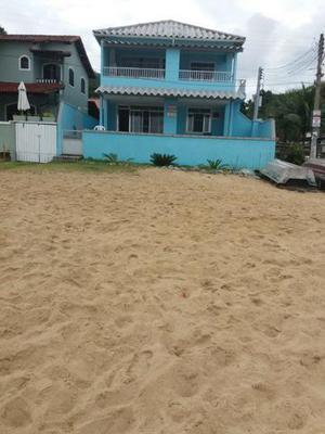 Casa de frente para o mar em praia brava. distrito de
