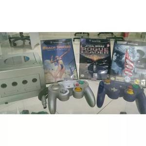 Gamecube completo 2 controles e 3 jogos originais.