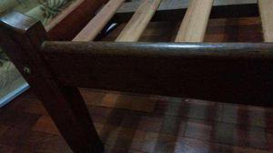 Cama de casal, madeira maciça muito conservada