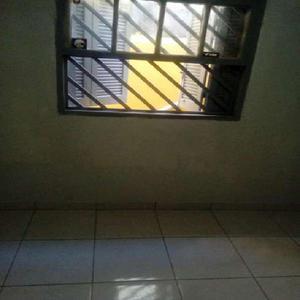 Casa com 1 quarto para alugar, 50 m² por r$ 600/mês