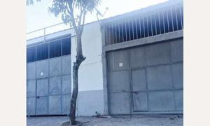 Galpão/depósito/armazém com 1 quarto para alugar, 220 m²