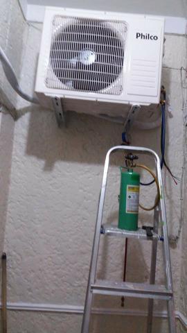 Instalação e manutenção de ar condicionado tipo janela,