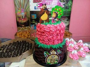 Kit festa bolo de2 andares +salgados +doces