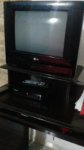 Tv com conversor digital e rack pra hoje!