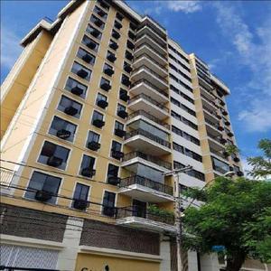 Apartamento com 2 quartos para alugar, 80 m² por r$