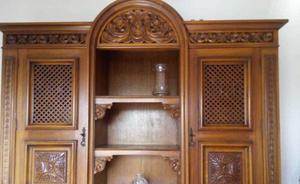 Arca e oratório gonzales em cerejeira maciça entalhada a