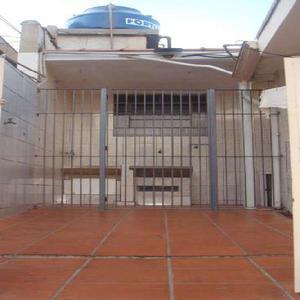 Casa com 1 quarto para alugar, 40 m² por r$ 700/mês