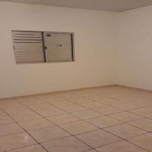 Casa com 1 quarto para alugar, 65 m² por r$ 1.700/mês