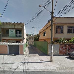 Casa com 2 Quartos para Alugar, 136 m² por R$ 1.500/Mês