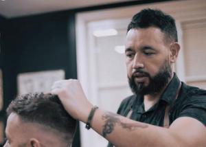 Curso de barbeiro profissional 100% online