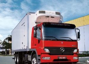 Caminhão mercedes benz entrada a combinar mais divida