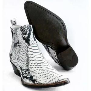 Bota country masculina couro desenho cobra anaconda texana