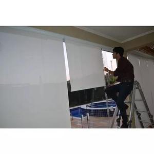 Técnico colocador instalador de cortinas & persianas.