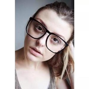 Armação nerd retrô grande para óculos de grau - preta