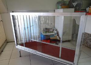 Balcão vitrine em inox com tampo de vidro 1,2x0,5x0,9
