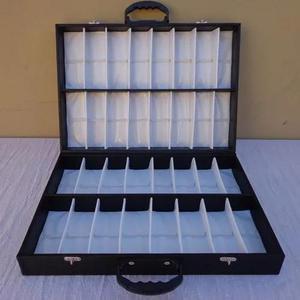 c1e6a9e8c Expositor maleta caixa estojo porta 32 óculos de sol em Brasil ...