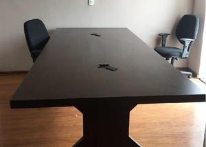 Mesa de Madeira para Reuniões - Pouquíssimo uso