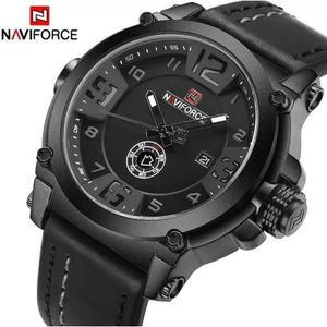 f3e54885dfb Relógio masculino naviforce couro