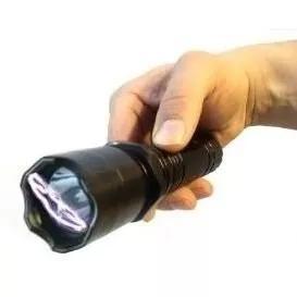 Lanterna tatica teaser choque potencia 980000w recarregavel