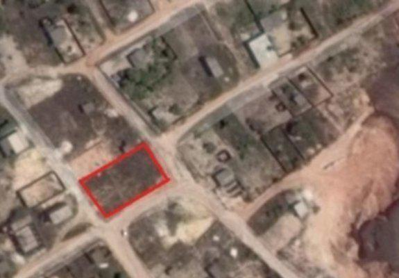 Terreno comercial em bairro popular