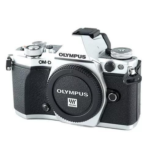 Câmera olympus om-d e-m5 mark ii