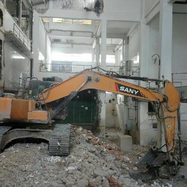 Demolições e terraplenagem especializada