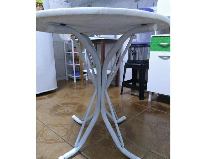 Mesa de jantar redonda, tampo de mármore