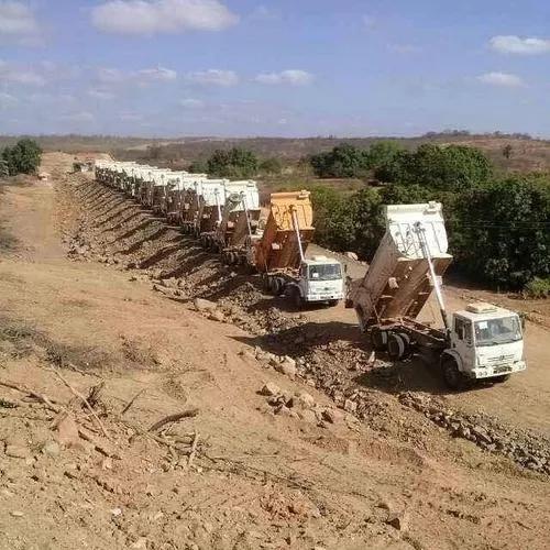 Caminhões caçamba pra locaçao e serviços