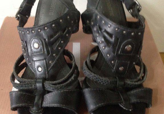 62cc3a0fe2e Lindas sandálias semi novas - tamanho 37 - por apenas r  40
