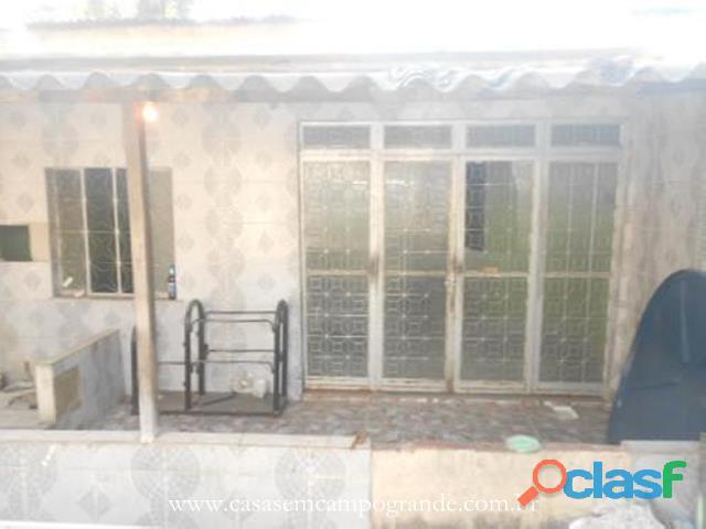 Campo Grande   Arnaldo Eugênio   Casa 2 Quartos/1 Suíte   Quintal/Piscina   60m2