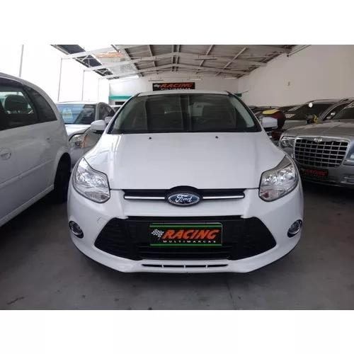 Ford focus sedan focus sedan se plus 2.0 powershift